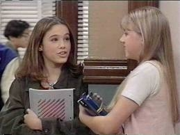 File:All-stood-up-stephanie-tanner-and-gia-mahan-32317868-259-194.jpg