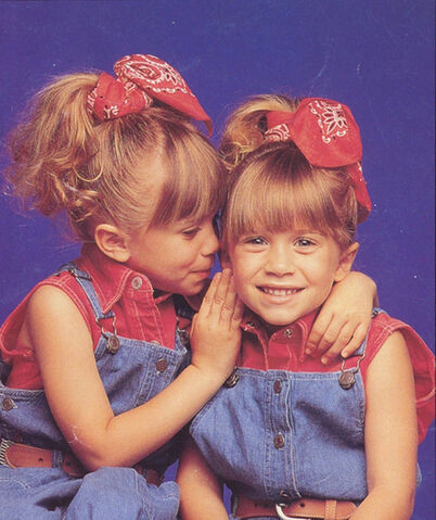 File:Mary-kate-ashley-olsen-full-house-ftr.jpg
