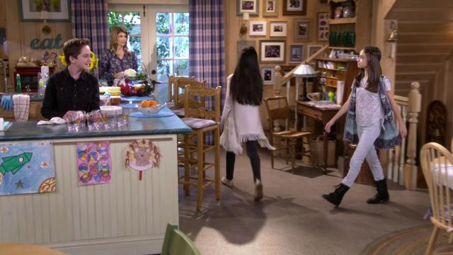 File:Fuller House S01E09 Screenshot 003.png