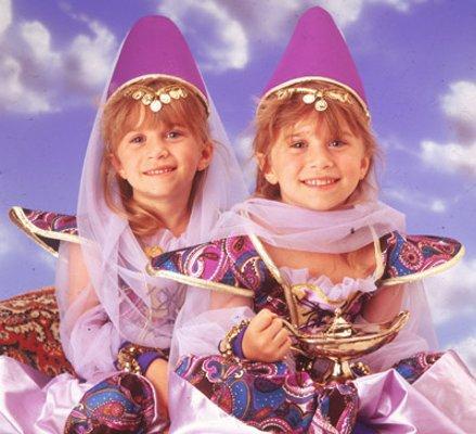 File:Famous-twins-1.jpg