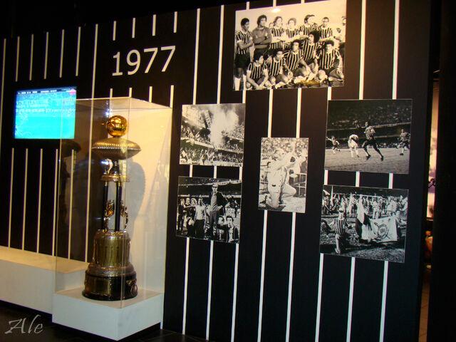 Arquivo:Memorial Corinthians 1977.jpg