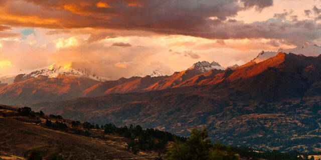 File:The peruvian andes by niv24.jpg