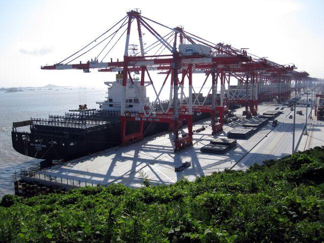 File:Yangshan-Port-Balanced.jpg