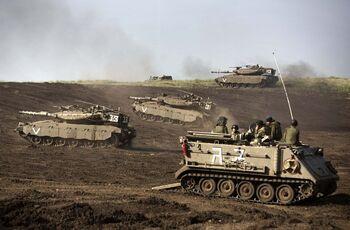 Israeli troops in border