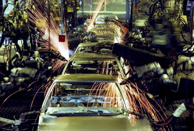 File:Welding robots.jpg