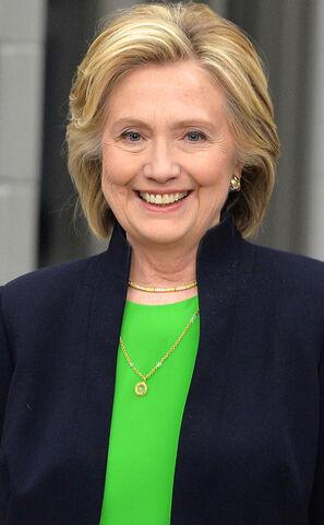 File:Rs 634x1024-150414161320-634.Hillary-Clinton-Iowa.ms.041415.jpg