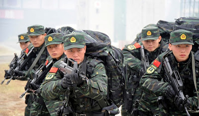 File:Chinese Special Armed Police Force in Training New Combat Uniforms. (3).jpg
