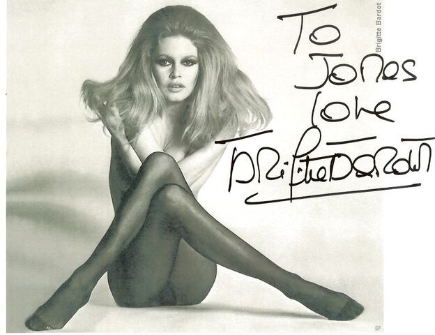 File:Brigitte Bardot-r577355.jpg