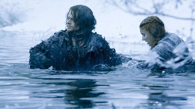 File:Theon Greyjoy S6.jpg