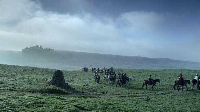 Файл:Distant Winterfell.jpg