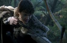 Theon attacks Osha.png