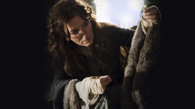 File:Catelyn Stark 1x02.jpg
