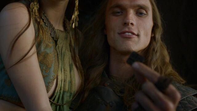 File:Daario holds a Braavosi coin.jpg