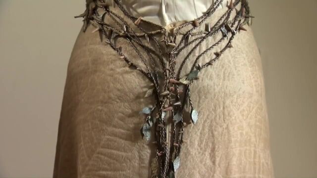 File:Margaery Purple Wedding embroidery 2.jpg
