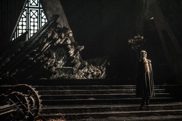 File:Daenerys Dragonstone.jpg