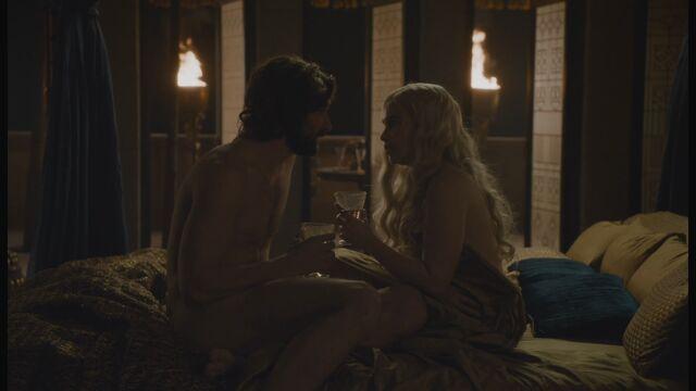 File:Daario and dany in bed.jpg