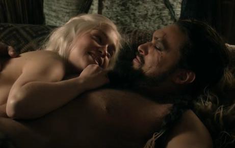 Файл:Daenerys & Drogo 1x03.png