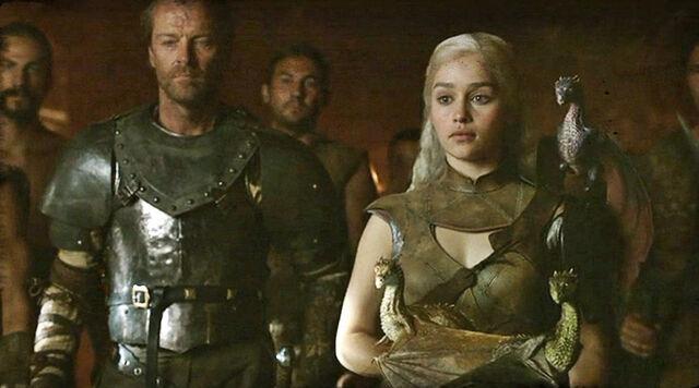 File:Daenerys, Jorah and dragons 2x10.jpg