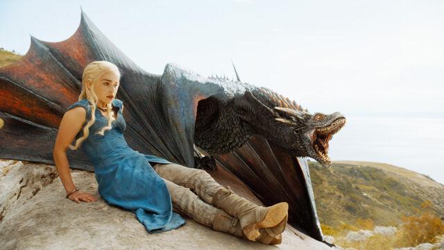 ファイル:Drogon Season 4.jpg
