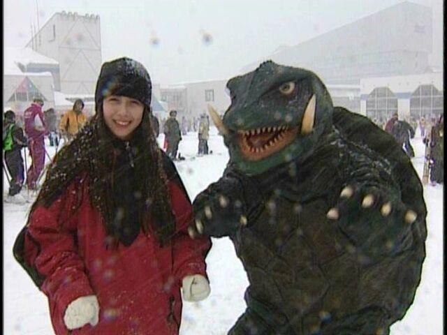 File:GGotU - SnowGame Gamera.jpg