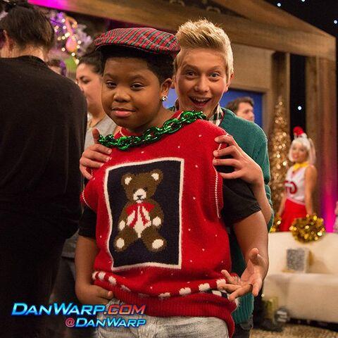 File:Christmas pic 01.jpeg