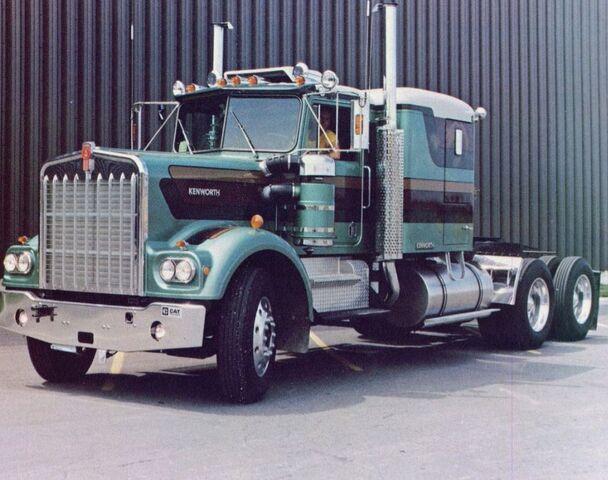 File:Green gandoler in 1976.jpg