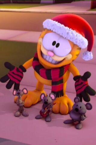 File:Garfield in winter 2.jpg