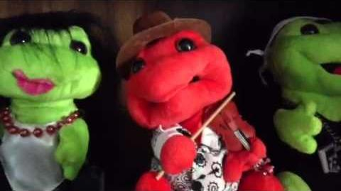 Fiddle Player Frogz