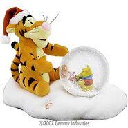 Tigger & pooh animated Snowglobe