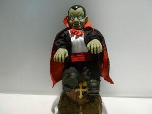 Gemmy 1998 animated dancing vampire 6