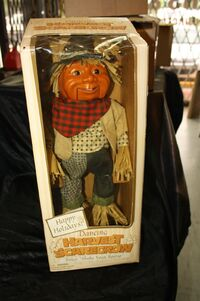 GEMMY 23'' DANCING HARVEST SCARECROW ANIMATED, SINGING ''SHAKE YOUR BOOTY'' NEW