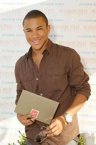 File:Tequan Richmond.jpg