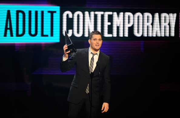 File:Michael Buble 2010 American Music Awards Show 0UjLhYsFmZfl.jpg