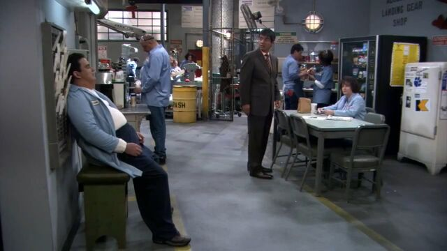 File:Ep 5x18- George finds Ernie napping at work.jpg