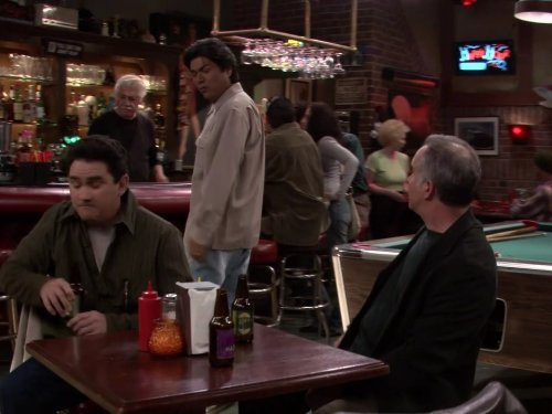 File:Ep 3x9 - Vic, George, and Ernie at Thirsty's.jpg