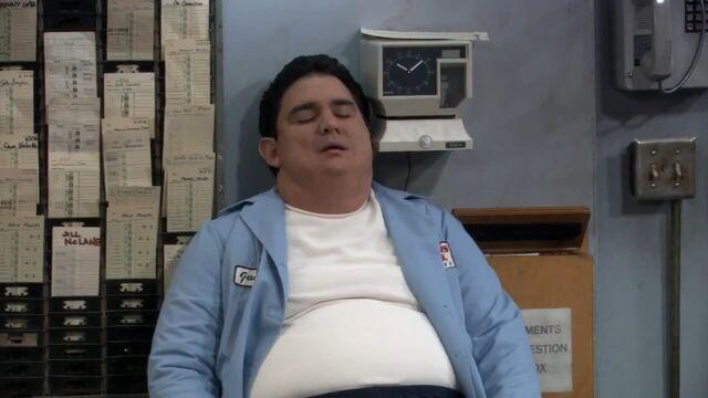 File:Ep 5x12 - Ernie taking a nap.jpg