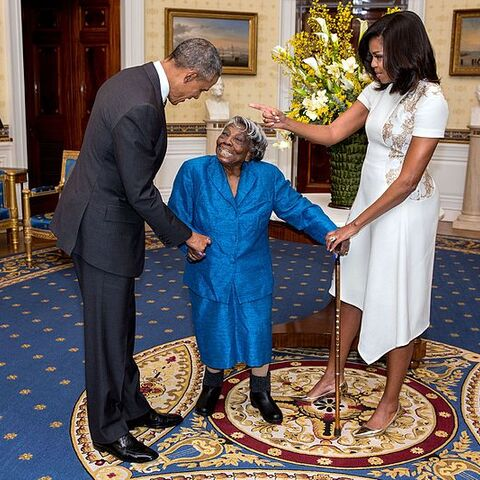 McLaurin at 106, (center) meets with former president Barack Obama and wife first lady Michelle Obama, in the Blue Room of The White House February 2016.
