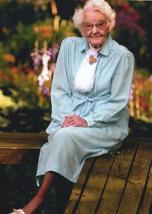 File:Emma Verona Johnston (1890-2014).jpg