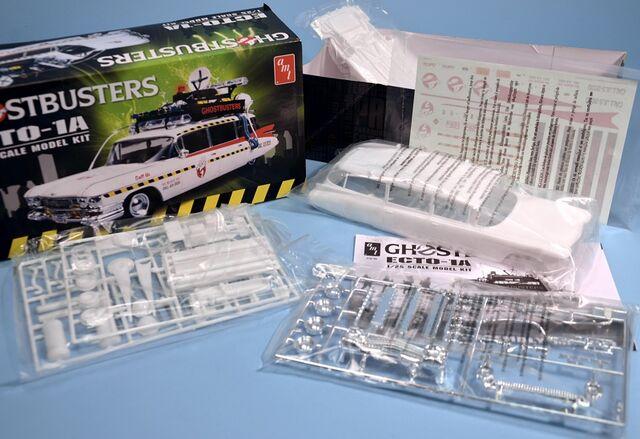 File:AMT Ecto1A 2012 Model Parts01.jpg