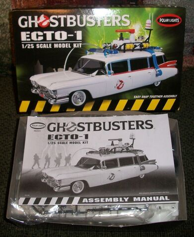 File:Polar Lights Ecto-1 Snap Model 2013 Re-Release Parts01.jpg