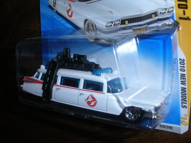 File:Hot Wheels Ecto1 2010 Blue Card03.jpg