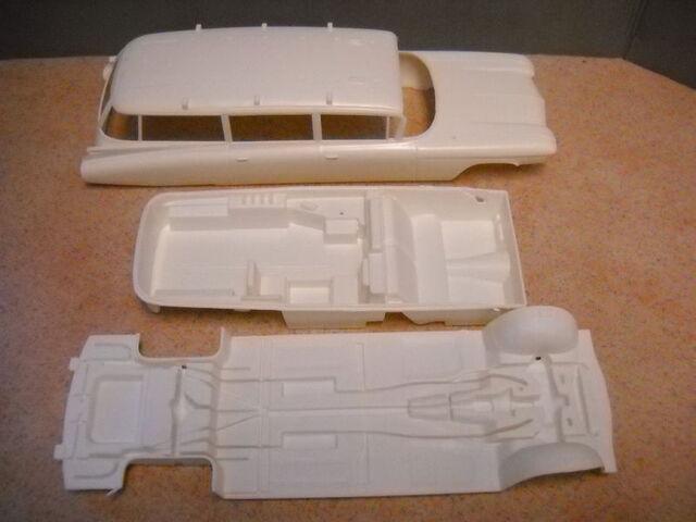 File:AMT Ecto1A 1989 Model Parts04.jpg