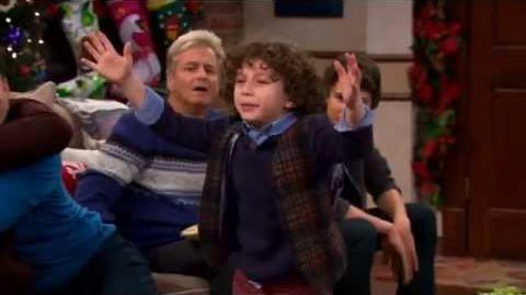 """Girl Meets World 1x16 """"Girl Meets Home For The Holidays"""" Promo 2"""