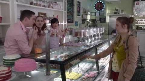 Girls Season 1 Deleted Scene - Cupcake Shop