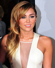 220px-Miley Cyrus 2012