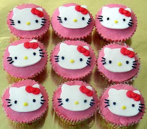 File:Hello kitty cupcakes 5.jpg