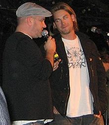 File:220px-Mike O'Malley and Bronson Arroyo.jpg