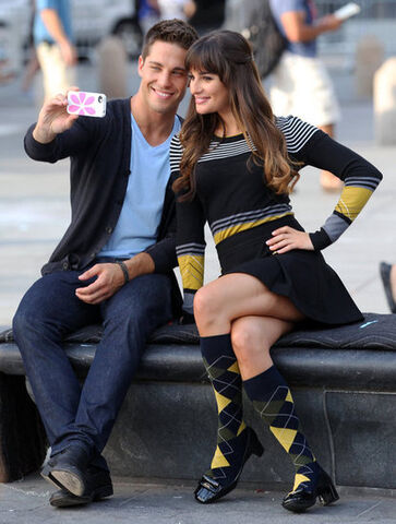 File:Dean-Geyer-Lea-Michele-Pictures-Filming-Glee-Season-4-NYC.jpg