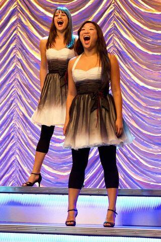 File:Tina et Rachel.jpg