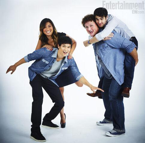File:Glee-Jenna-Shum-Dot-Criss 610.jpg